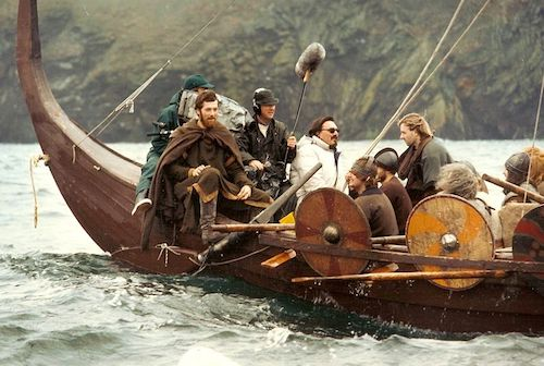 viking-ship-rowing